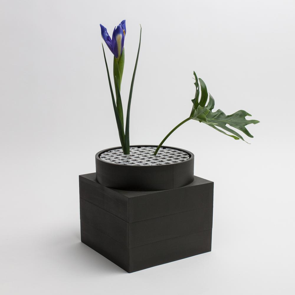 Tall Utility Vase | Black | Luur