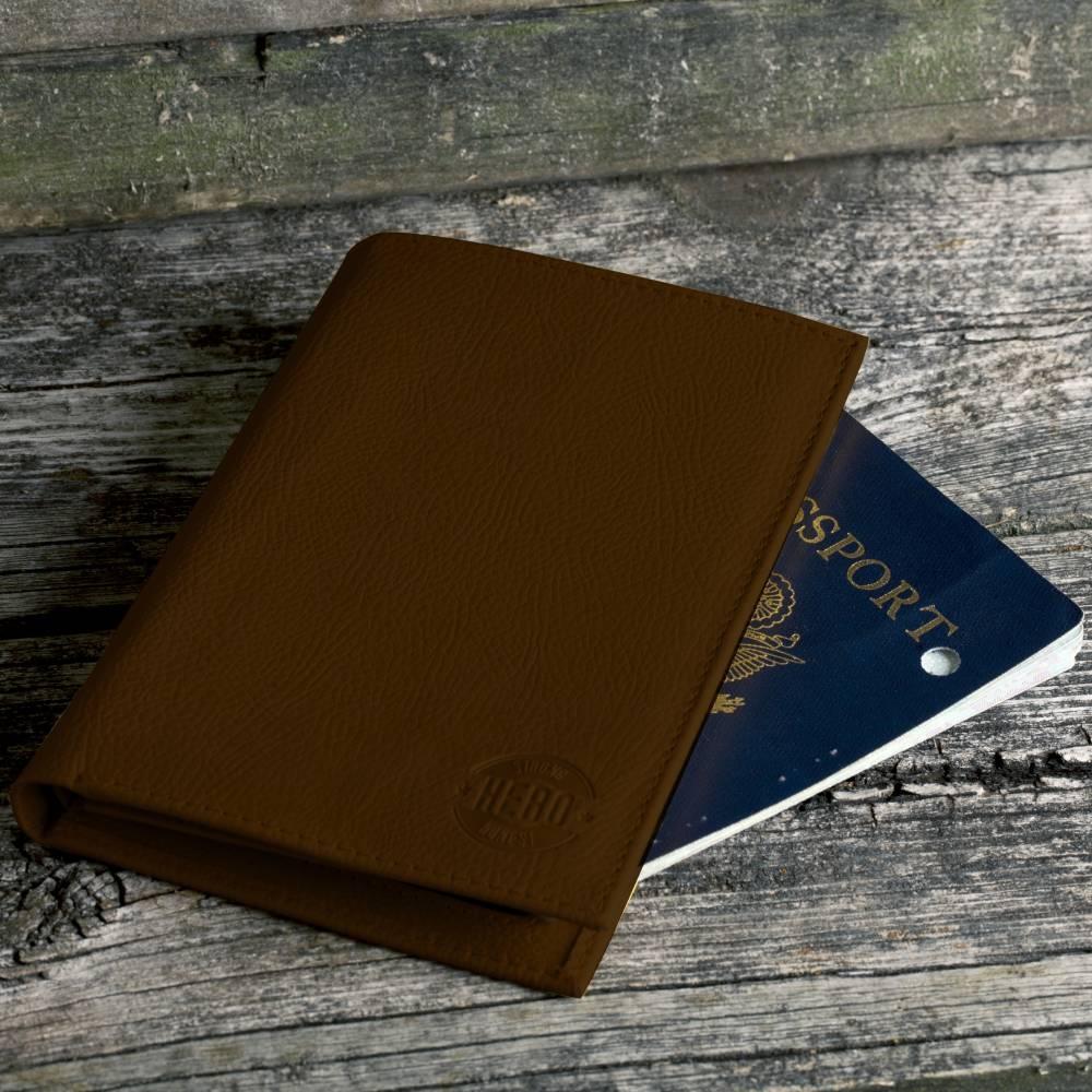 Polk Passport Holder | Hero Goods