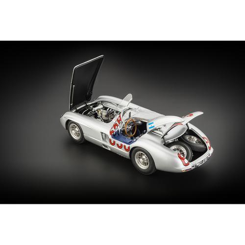 Mercedes-Benz 300 SLR | #658 Fangio | Mille Miglia | CMC